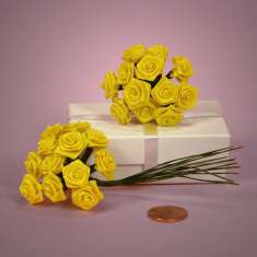 Bouquet of Yellow Ribbon Roses: click to enlarge