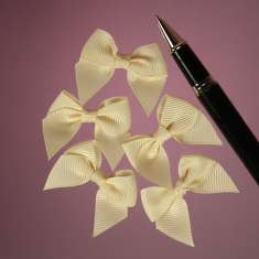 Ivory Grosgrain Butterfly Bows: click to enlarge